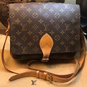 💕Authentic LV Cartouchiere GM Bag w/ Dustbag 😍💝